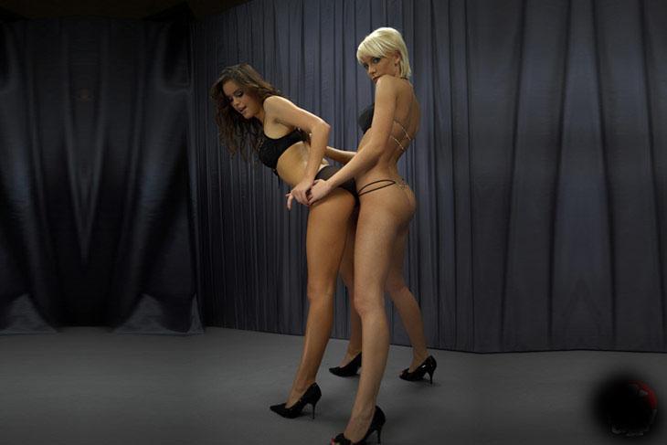 Ревность лесбиянки в картинках 3 фотография
